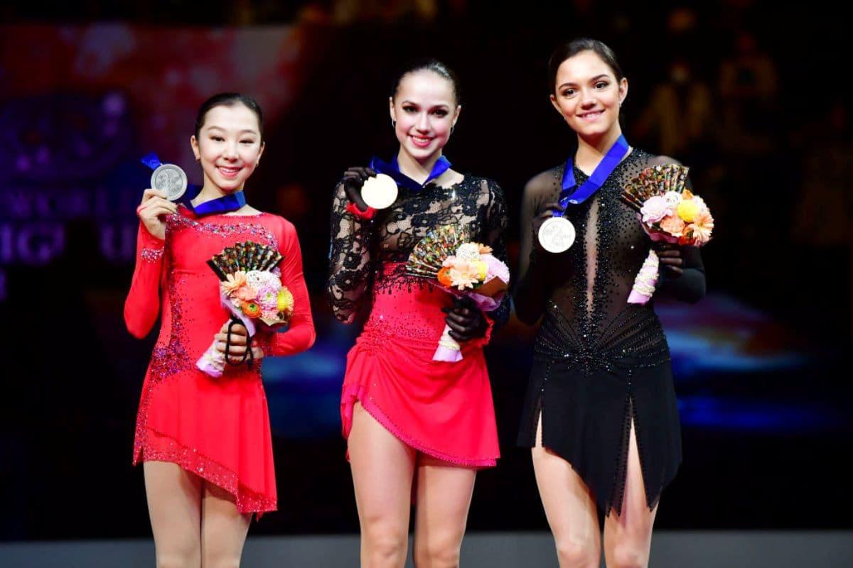 Eiskunstlauf-WM 2019 Siegerehrung Damen im Bild Elizabet Tursynbaeva, Alina Zagitova, Evgenia Medvedeva