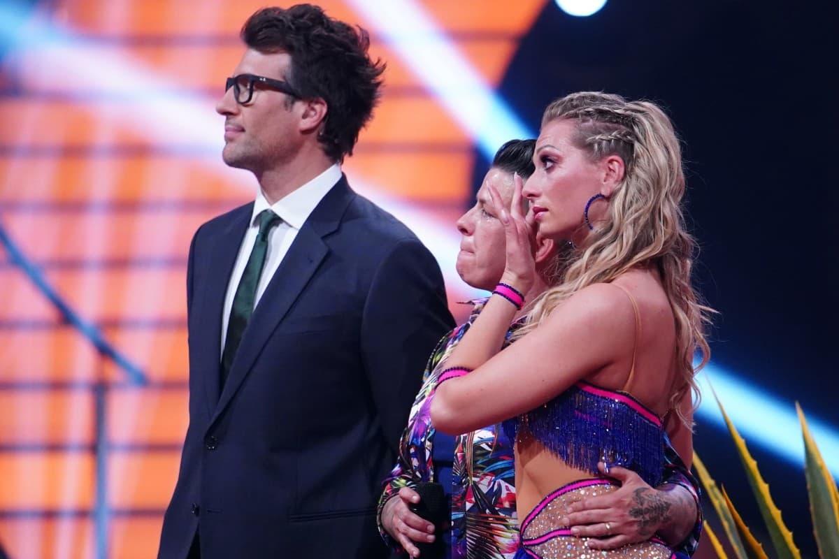 Daniel Hartwich, Kertin Ott und Regina Luca vor der Jury bei Let's dance am 26.4.2019