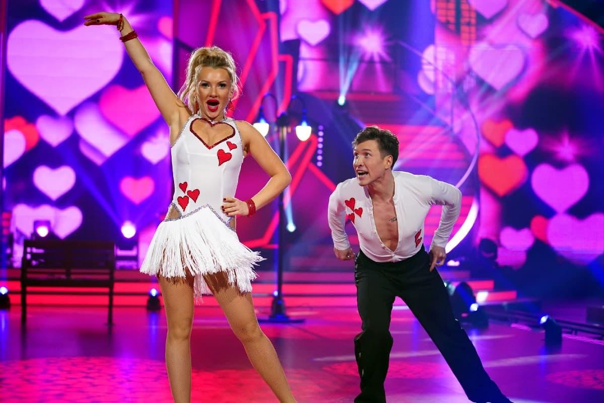 Evelyn Burdecki - Evgeny Vinokurov bei Let's dance am 12.4.2019