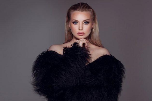 Laura Lato zum Album Kristallkind - Single-Vorbote Voodoo
