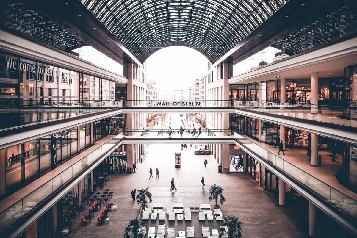 Blick auf die Tanzfläche in der Mall of Berlin