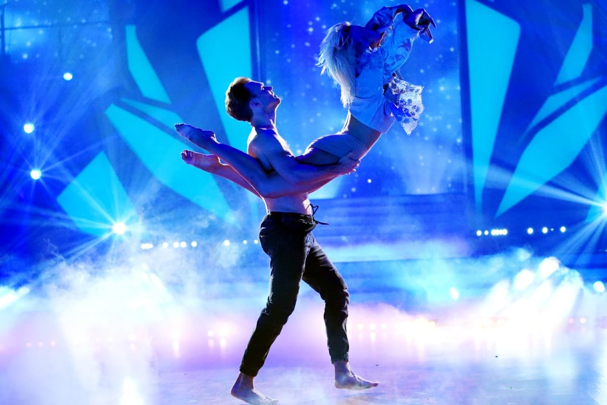 Kathrin Menzinger und Vadim Garbuzov bei Let's dance am 27.6.2019