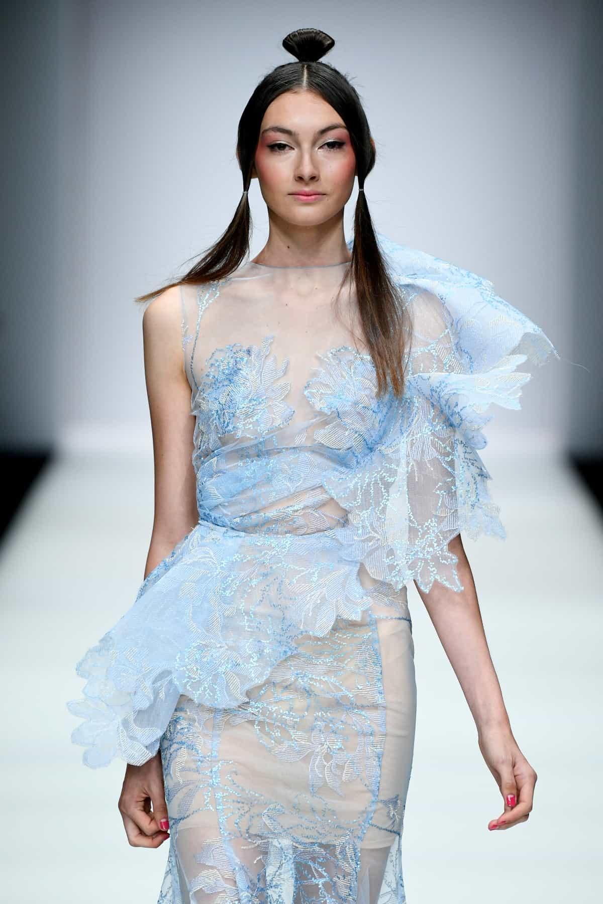 Lana Mueller Sommermode 2020 zur MBFW auf der Fashion Week Berlin Juli 2019 - 5