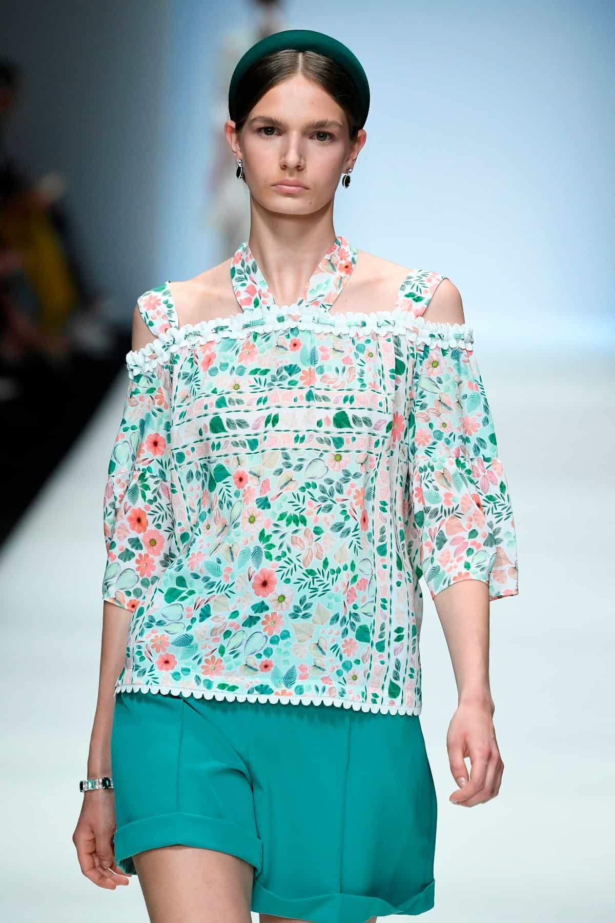 Mode von Riani Kollektion Frühjahr-Sommer 2020 zur Fashion Week Berlin im Juli 2019 - 3