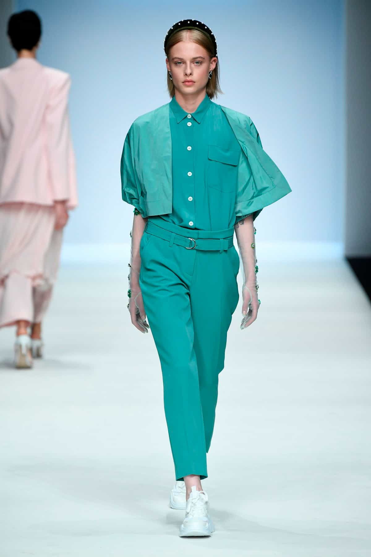 Mode von Riani Kollektion Frühjahr-Sommer 2020 zur Fashion Week Berlin im Juli 2019 - 6