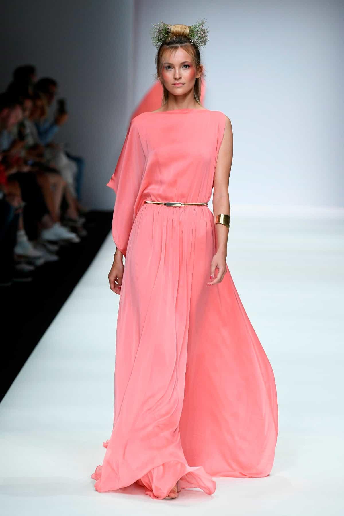 Sommermode 2020 von Lana Mueller zur MBFW auf der Fashion Week Berlin Juli 2019 - 3
