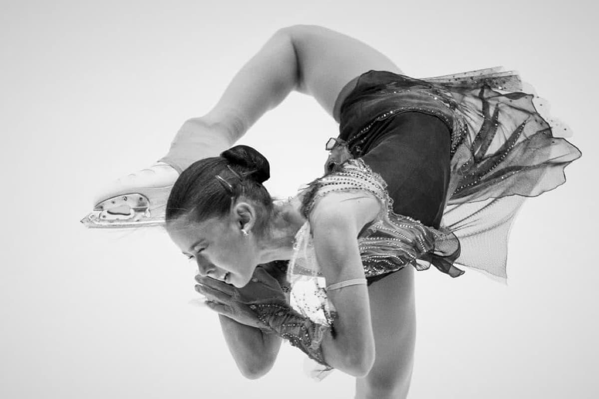 Kamila Valieva aus Russland mit 4-fach-Sprung Beste beim Eiskunstlauf Junior Grand Prix 2019 Courchevel