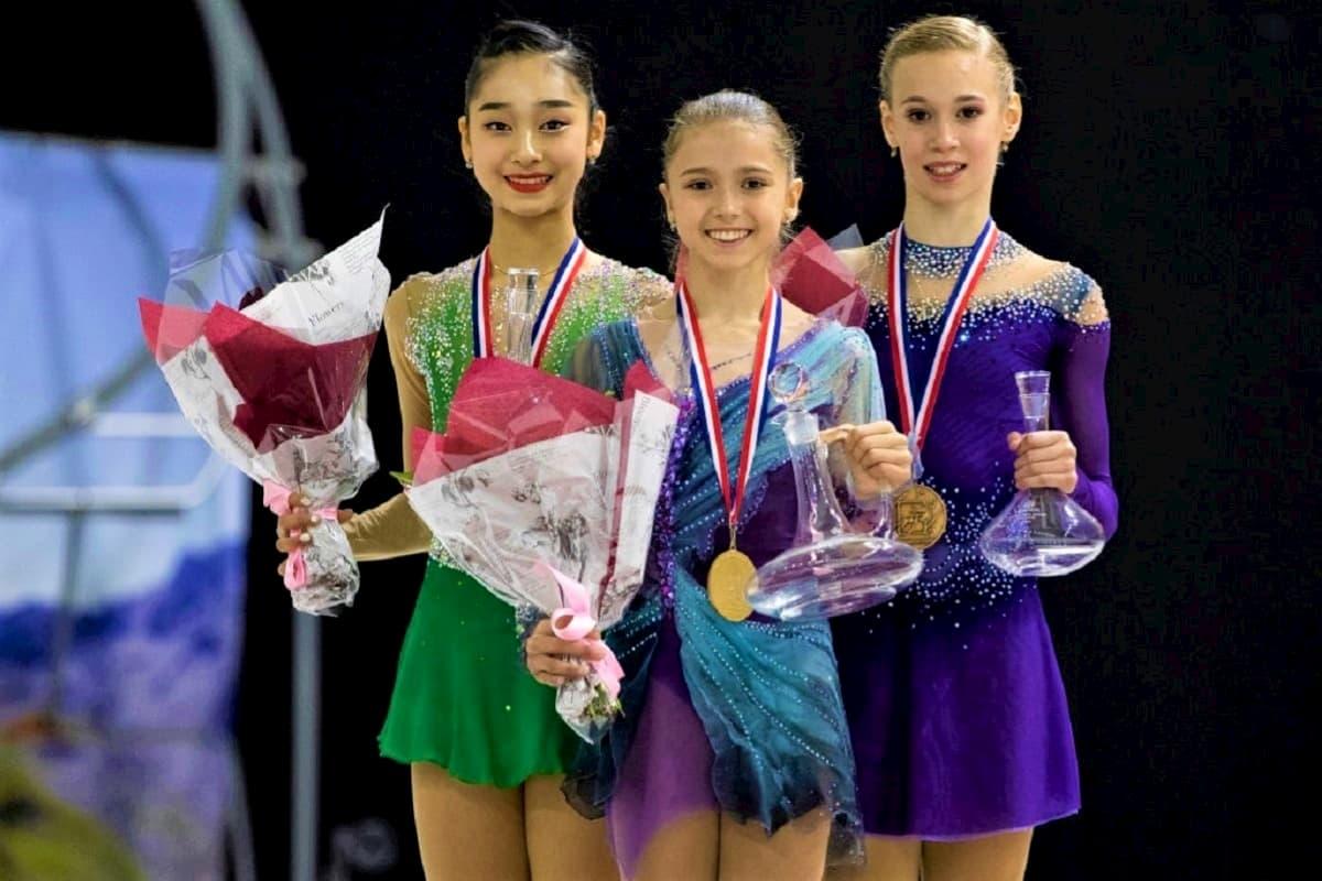 Siegerehrung Junior Grand Prix Eiskunstlauf Damen Courchevel 2019 - hier im Bild Seoyeong Wi (Südkorea), Kamila Valieva und Maiia Khromykh (beide Russland) - Foto: © International Skating Union (ISU)