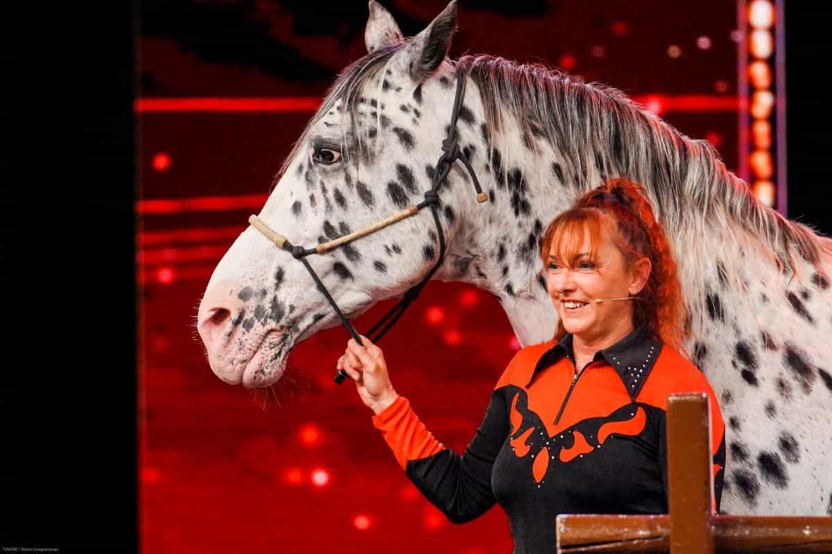 Rosi Hochegger und ihr Pferd Scout beim Supertalent am 14.9.2019