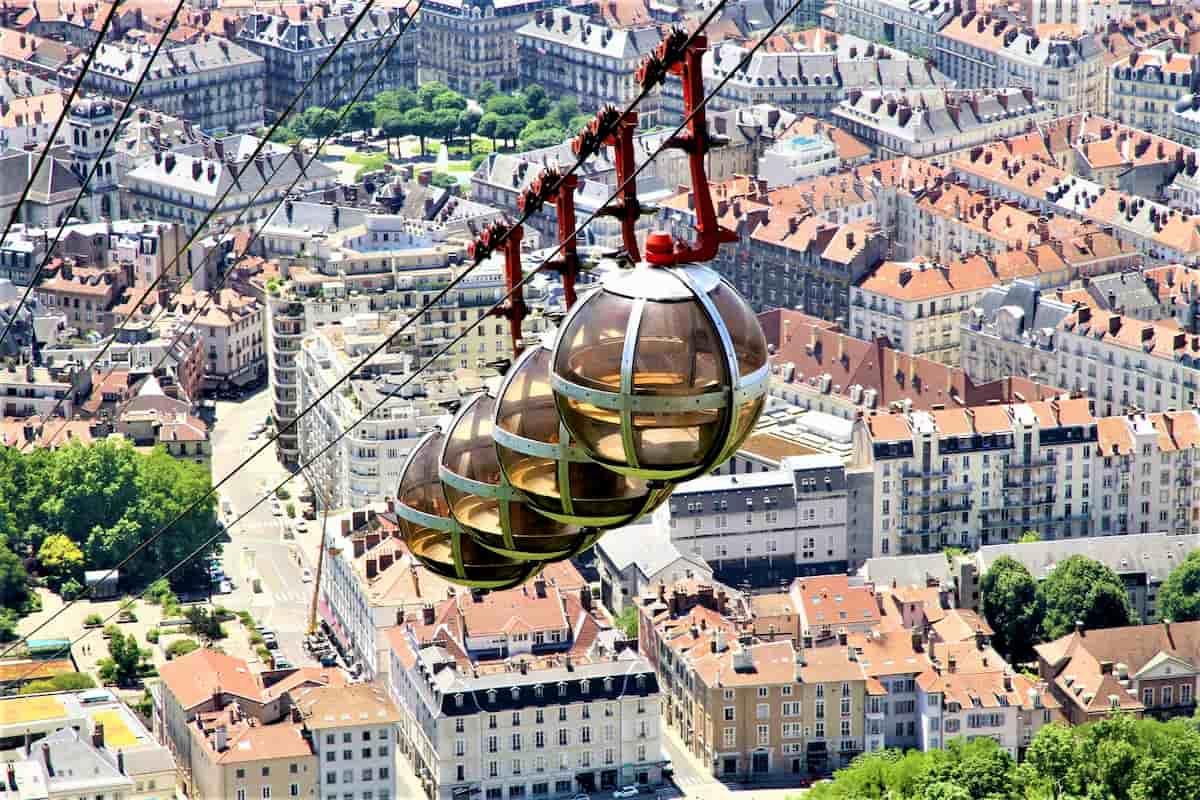 Grenoble - Wintersport-Ort in Frankreich