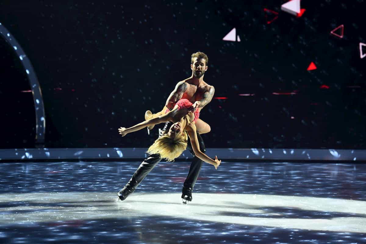 Andre Hamann -Stina Martini bei Dancing on Ice am 15.11.2019