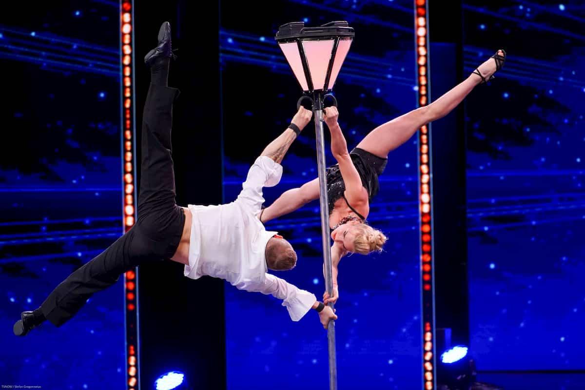 Illya Strakhov und Anastasiia Strakhova beim Supertalent am 9.11.2019
