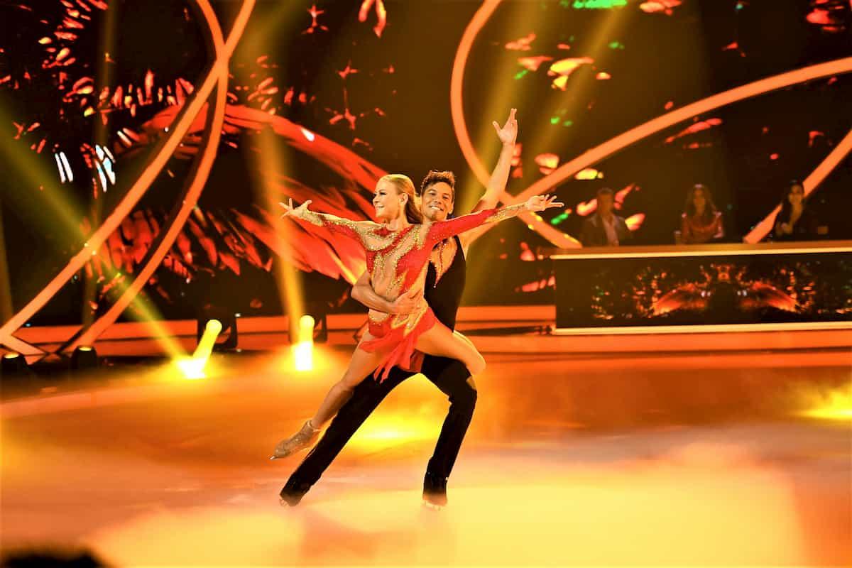 Jenny Elvers - Jamal Othman bei Dancing on Ice am 15.11.2019
