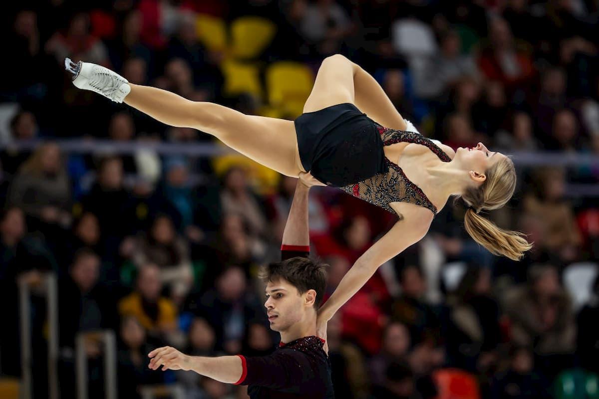 Minerva Fabienne Hase - Nolan Seegert beim Eiskunstlauf Grand Prix Moskau 2019