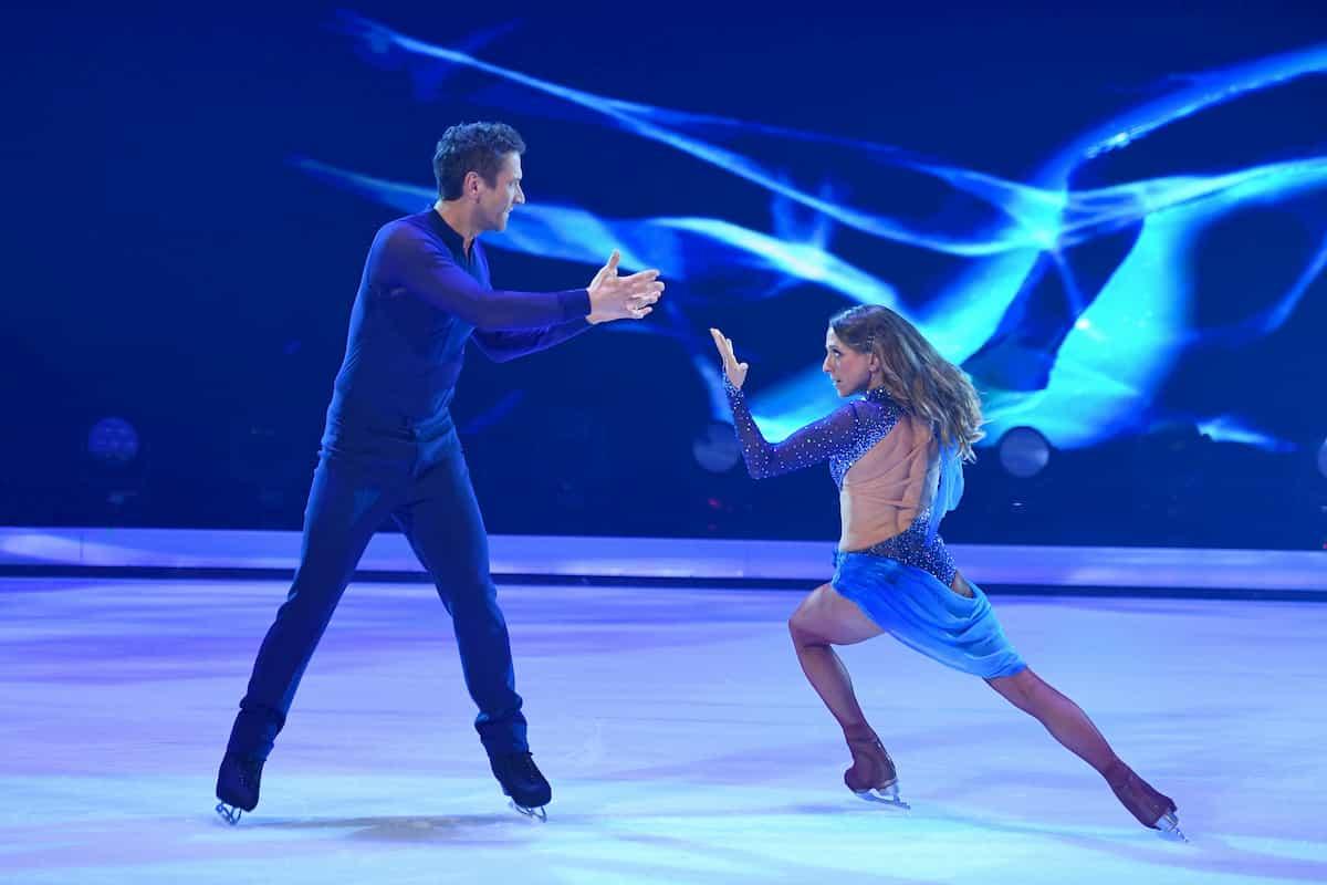 Peer Kusmagk - Kat Rybkowski bei Dancing on Ice am 22.11.2019