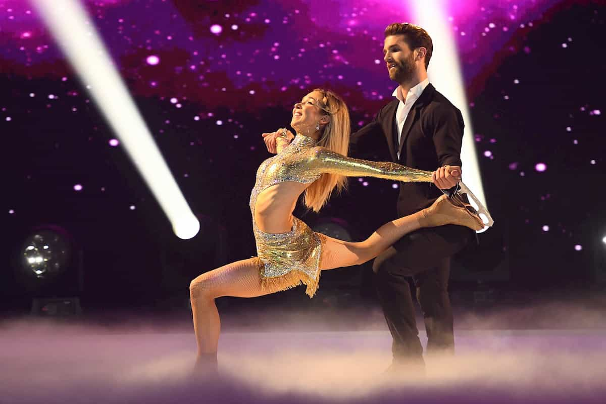 Stina Martini - Andre Hamann bei Dancing on Ice am 29.11.2019