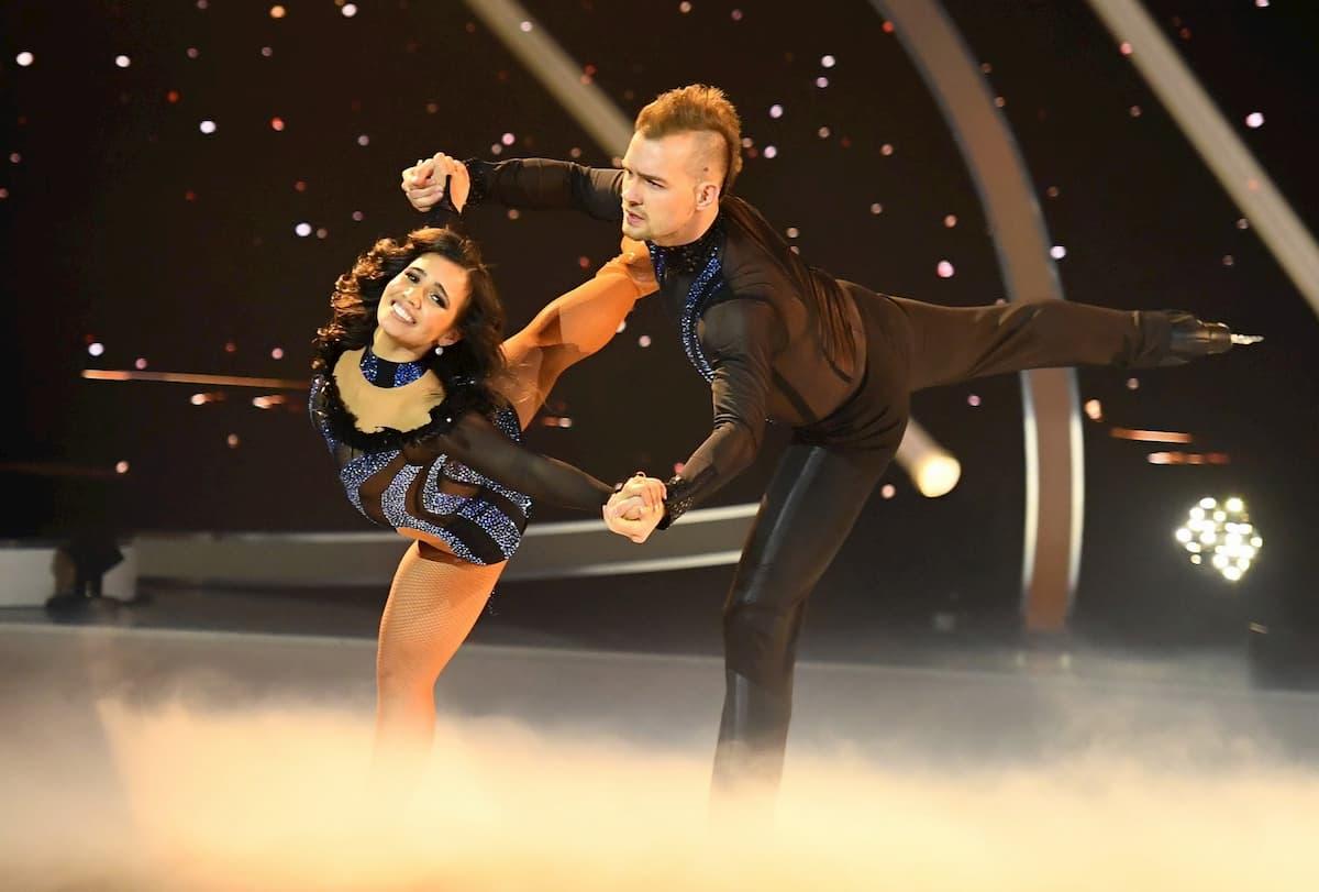 Amani Fancy und Eric Stehfest bei ihrer 1. Kür im Finale Dancing on Ice am 20.12.2019
