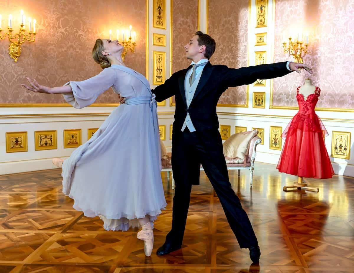 Ballett Neujahrskonzert Wiener Philharmoniker 2020, hier Natascha Mair und Denis Cherevychko