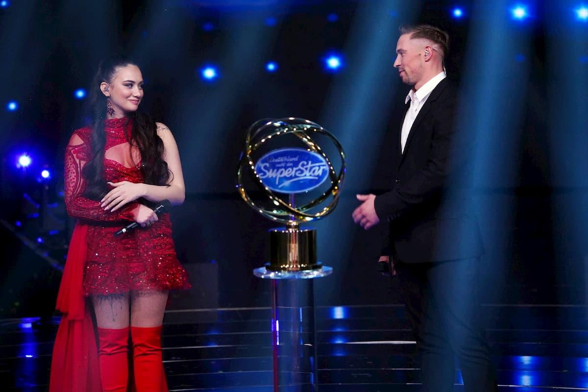 Chiara D'Amico und Ramon Roselly im Finale DSDS 2020 vor der letzten Entschiedung, wer gewinnt