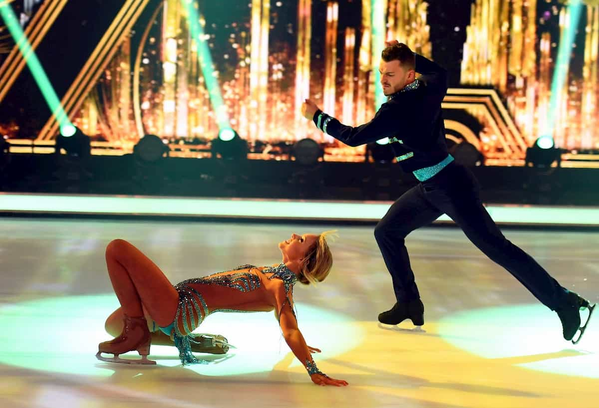 Finale Dancing on Ice am 20.12.2019 Lina Larissa Strahl - Joti Polizoakis