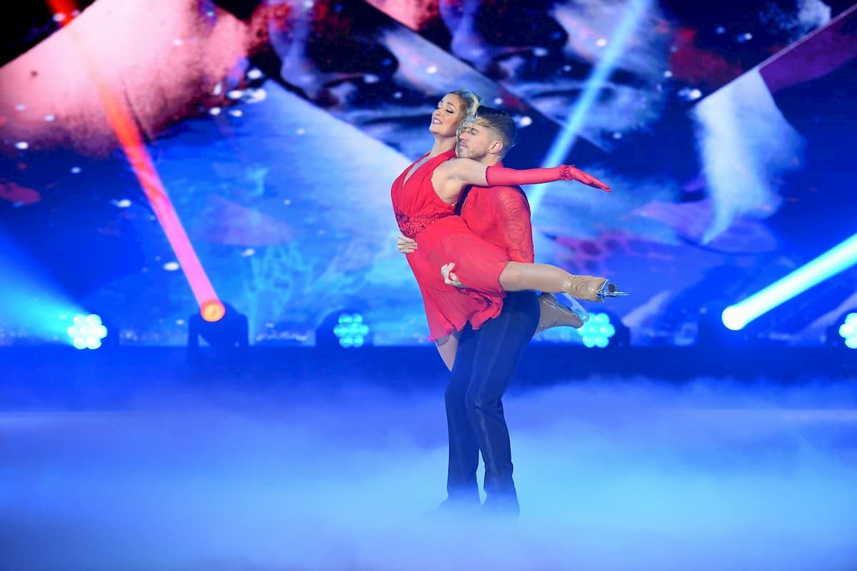 Joey Heindle - Ramona Elsener bei Dancing on Ice am 13.12.2019