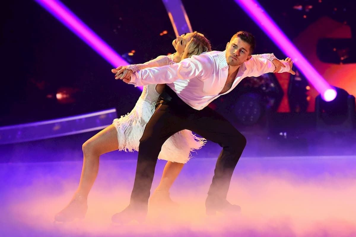 Joey Heindle und Ramona Elsener in der 2. Kür Finale Dancing on Ice am 20.12.2019
