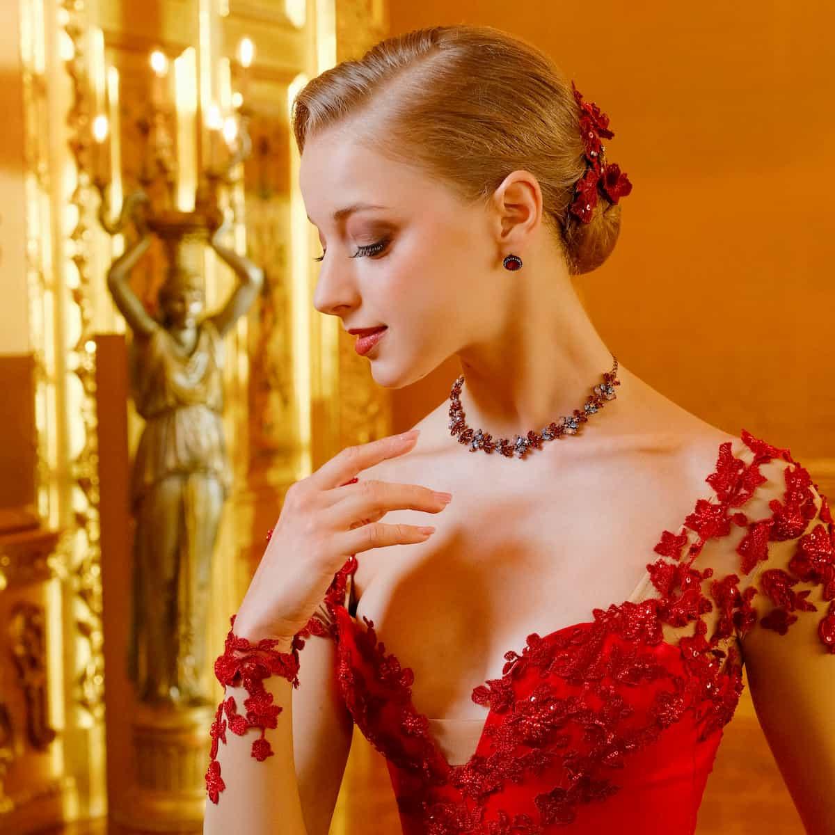 Neujahrskonzert 2020 der Wiener Philharmoniker, Ballett, Andris Nelsons als Dirigent - hier Tänzerin Natascha Mair