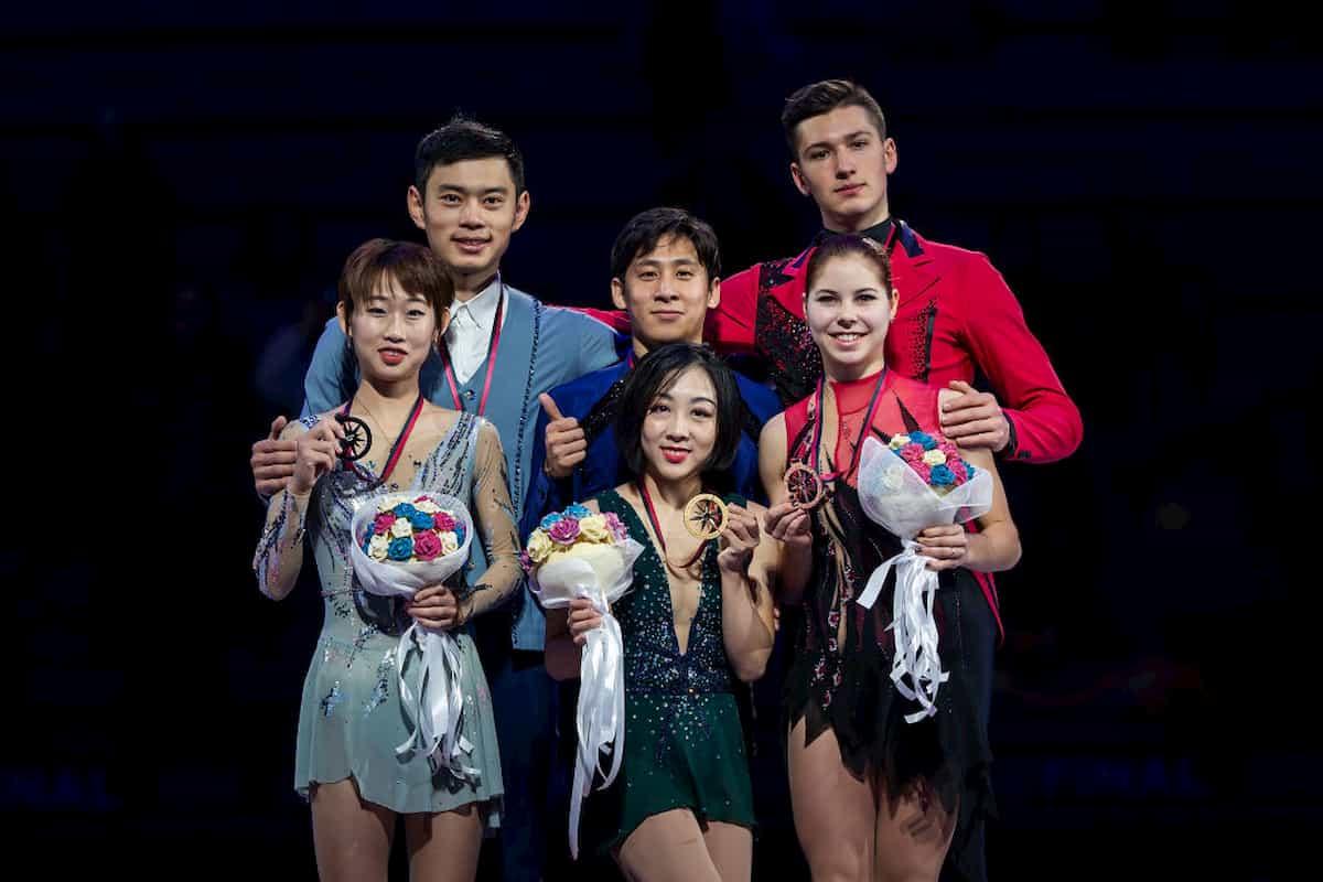 Siegerehrung Eiskunstlauf-Paare ISU Grand Prix Finale 2019 Italien - Gewinner-Paare