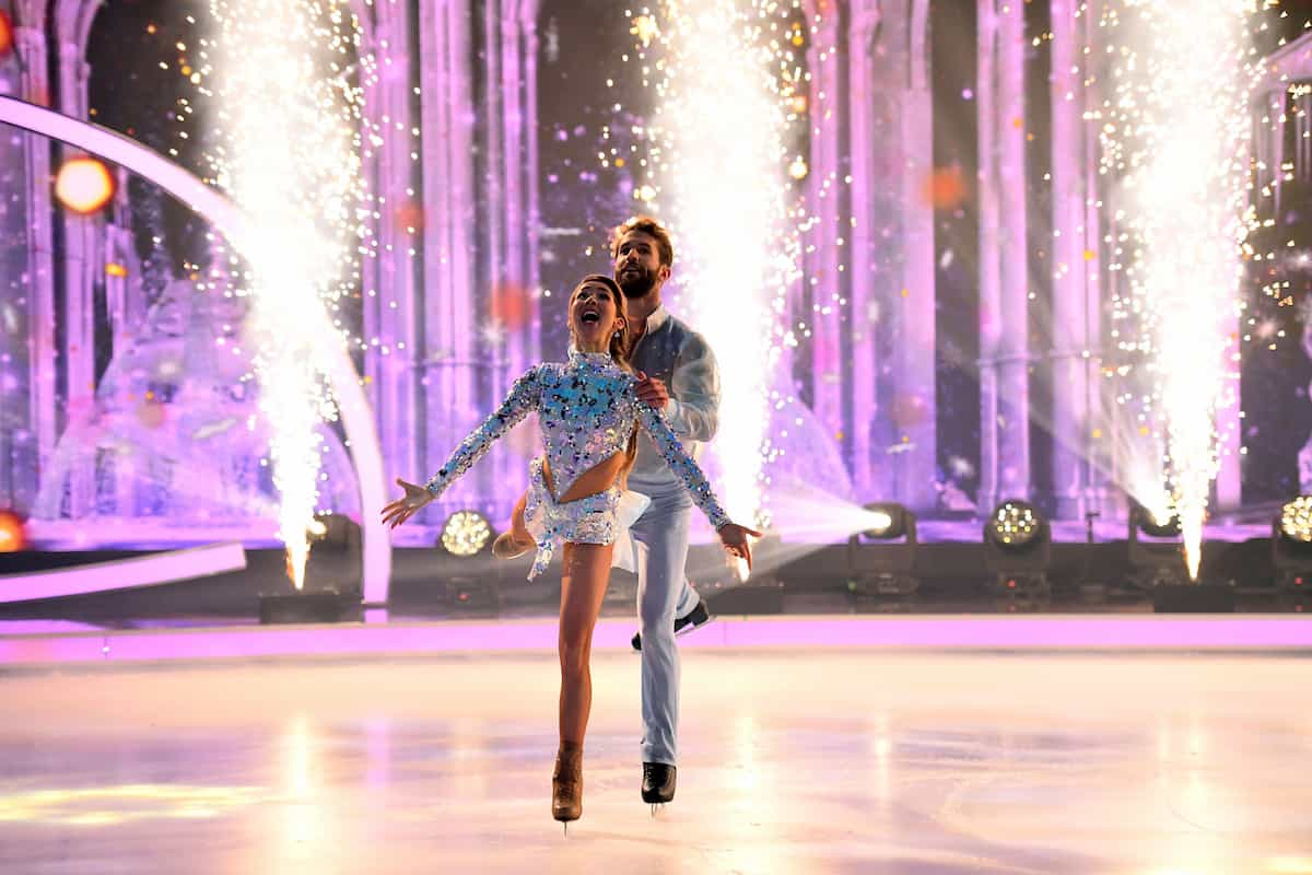 Stina Martini mit Andre Hamann bei Dancing on Ice am 13.12.2019