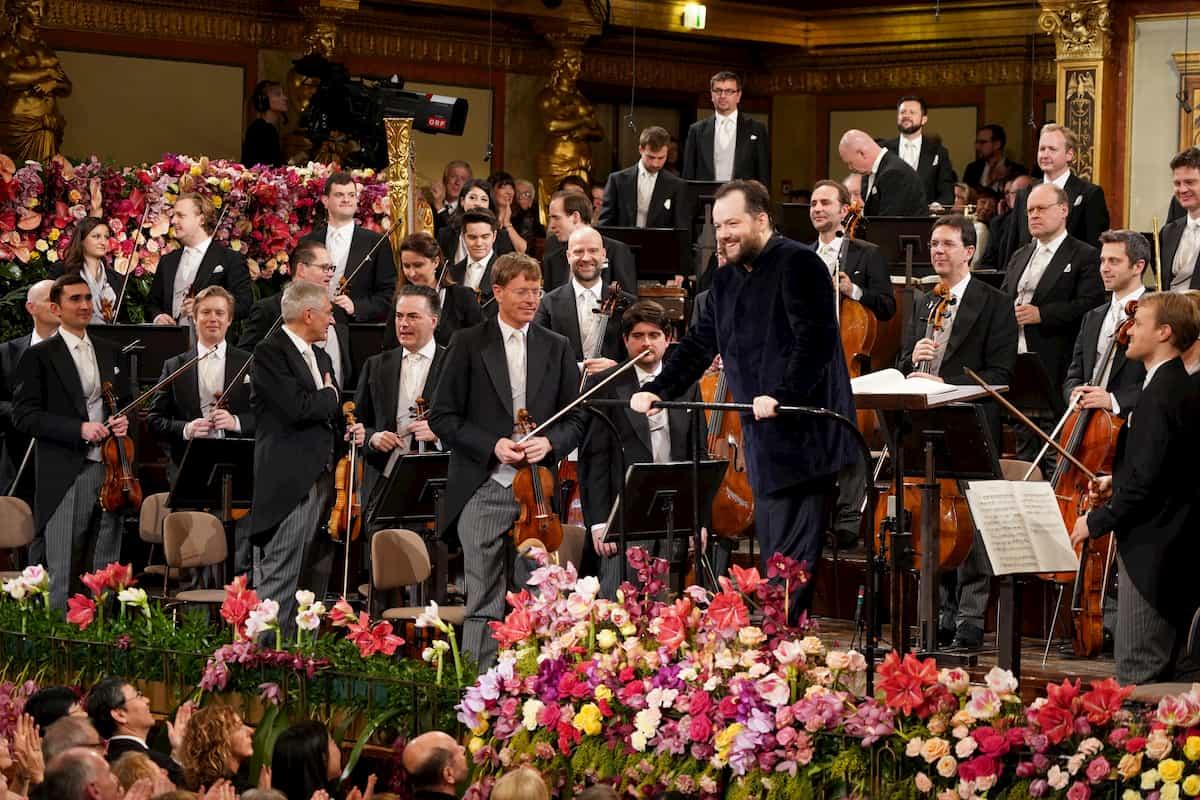 Wiener Philharmoniker und Dirigent Andris Nelsons nach der Generalprobe zum Neujahrskonzert im Wiener Musikverein