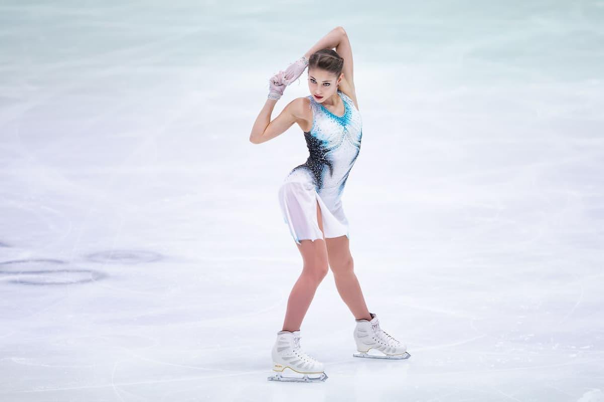Alena Kostornaia führt bei der EM Eiskunstlauf 2020 nach dem Kurzprogramm der Damen