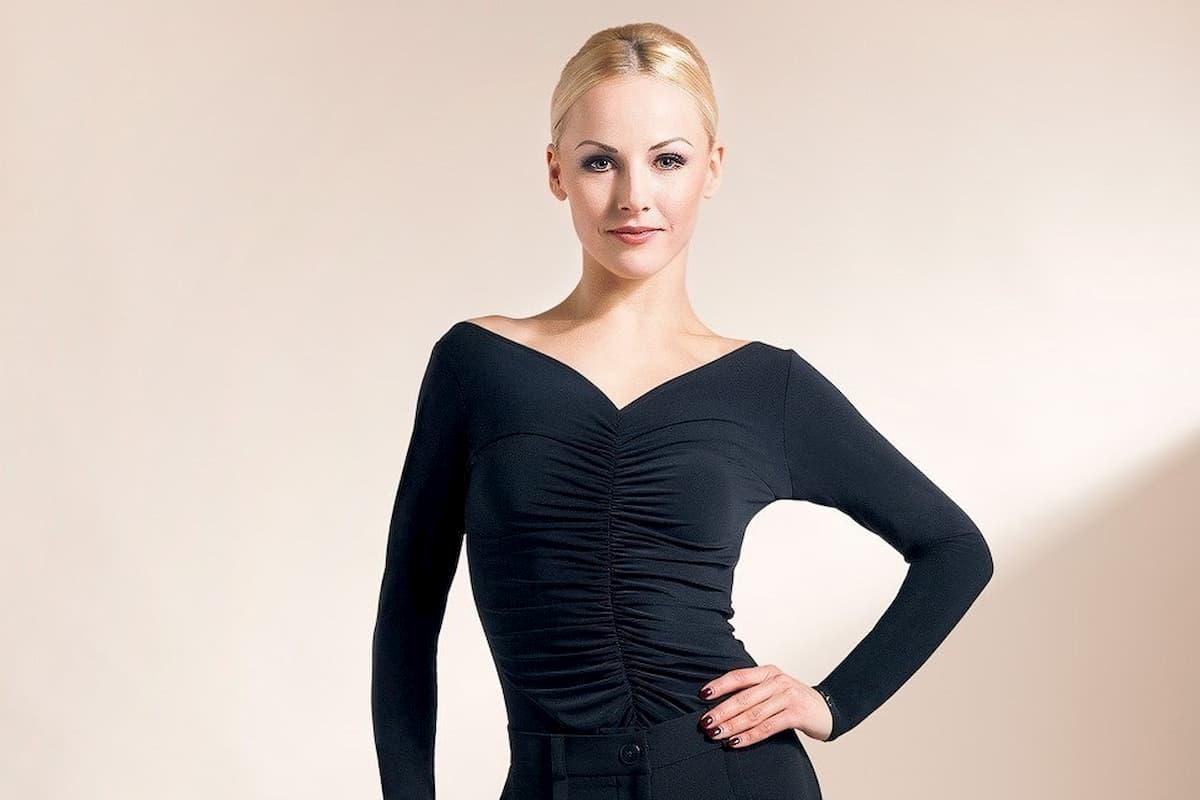 Alona Uehlin bei Let's dance 2020 als Profi-Tänzerin dabei