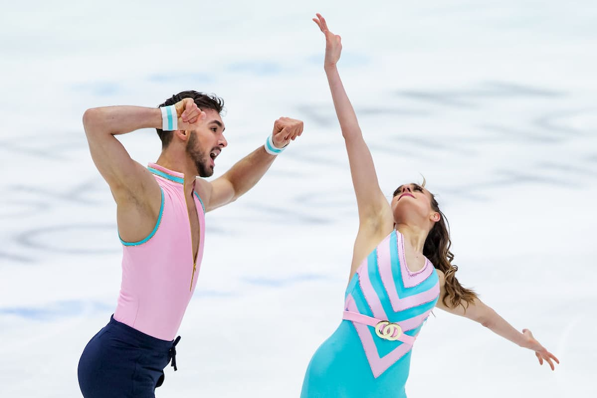 Gabriella Papadakis - Guillaume Cizeron führen nach dem Rhythm Dance zur Eiskunstlauf EM 2020 im Eistanz