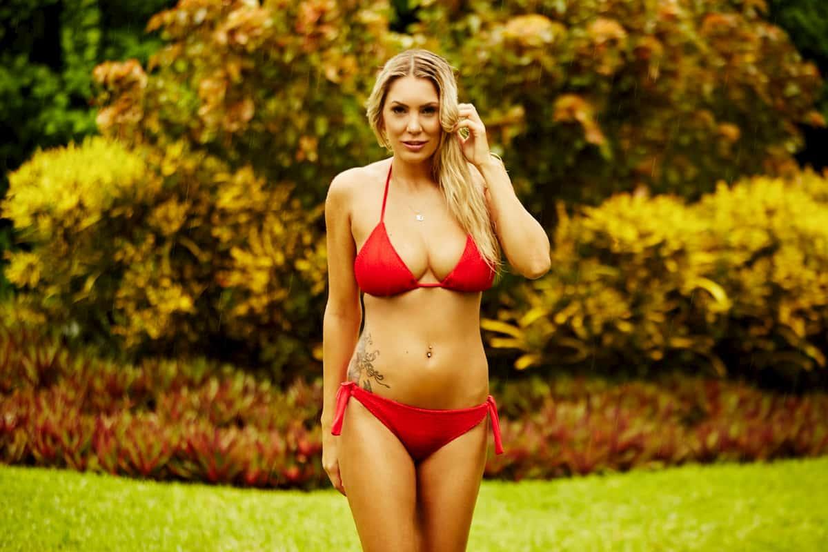 Jenny T im Bikini als Bachelor-Kandidatin 2020