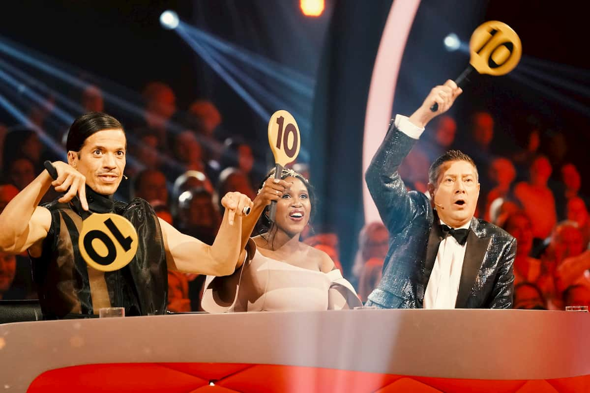 Jury Dance Dance Dance