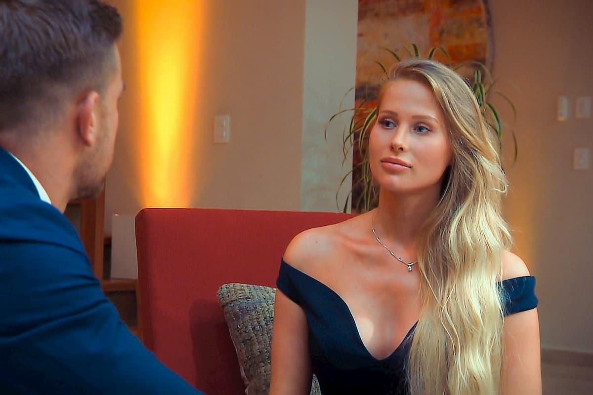 Leah Marie im Gespräch mit Sebastian beim Bachelor am 8.1.2020