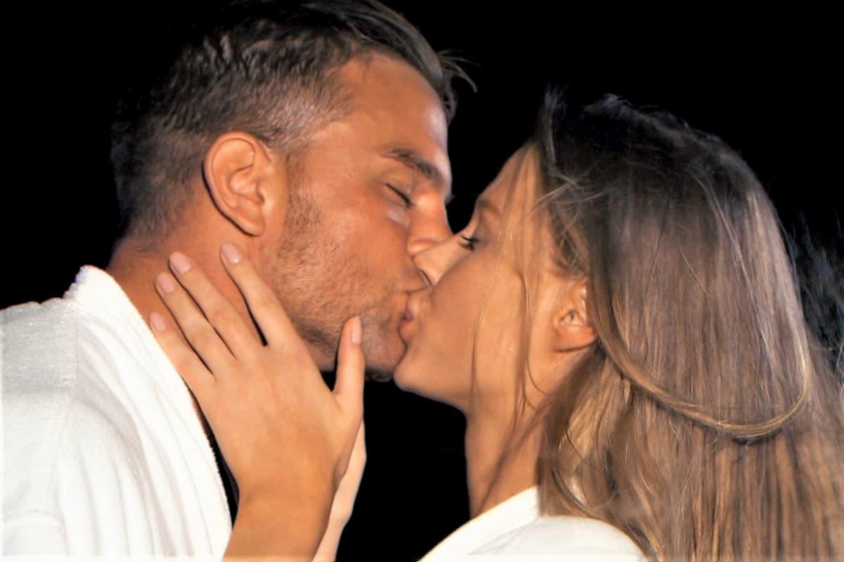 Leah küsst Sebastian beim Bachelor am 29.1.2020
