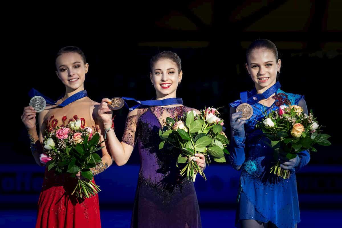 Siegerehrung Damen Europameisterschaft Eiskunstlauf 2020 - Anna Sherbakova, Alena Kostornaia, Alexandra Trusova