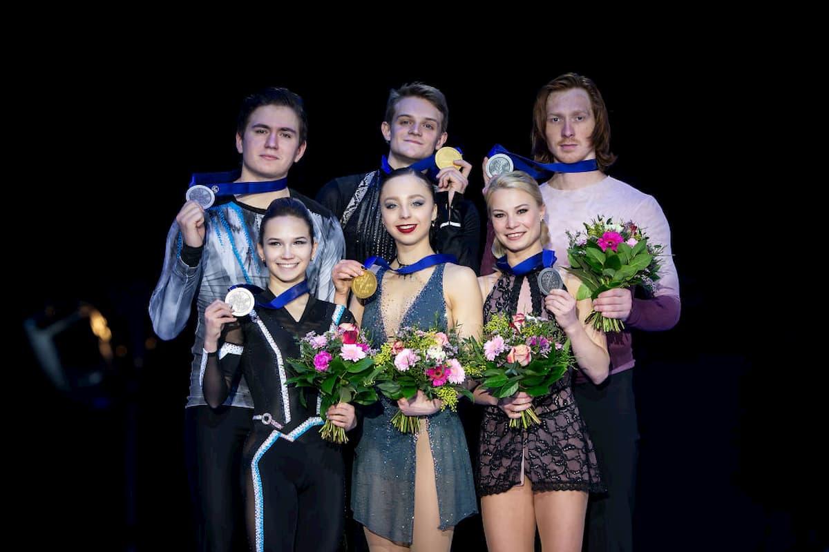 Siegerehrung Paare Eiskunstlauf-Europameisterschaft 2020 in Graz