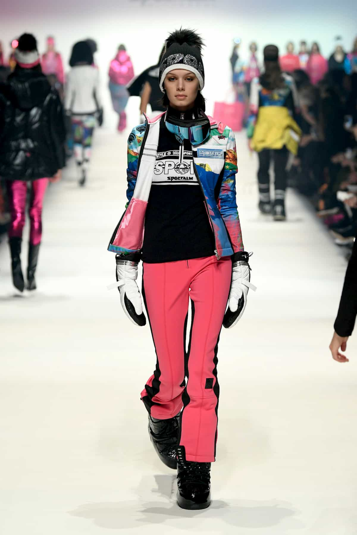 Wintermode von Skialm Mode-Saison 2020-2021 zur MB Fashion Week Berlin - 8