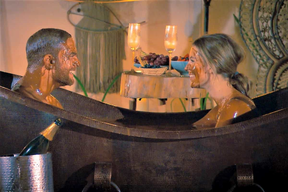 Wioleta und Sebastian beim Schokoladen-Bad - Bachelor am 29.1.2020