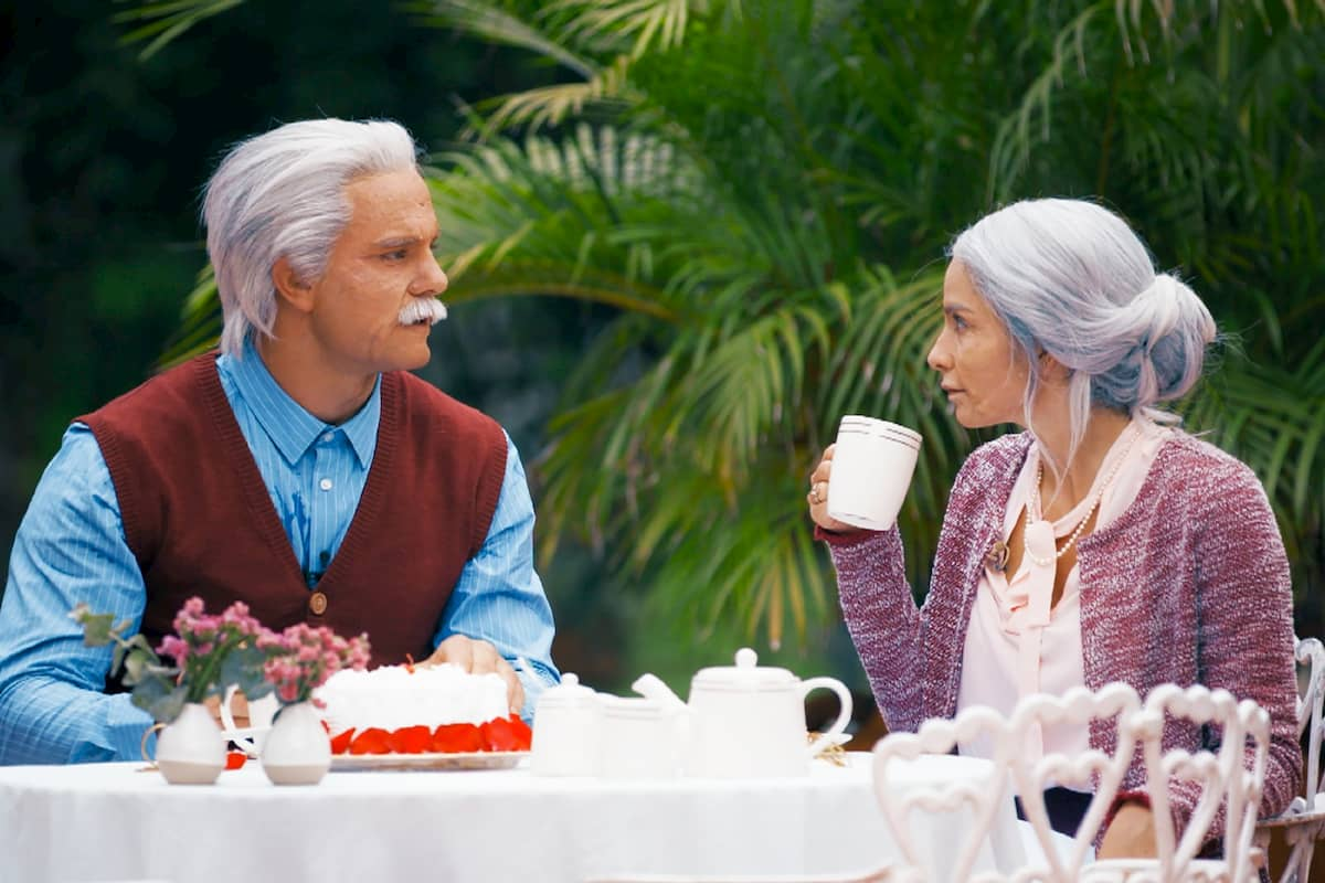 Diana und Sebastian spielerisch als altes Ehepaar beim Bachelor am 5.2.2020