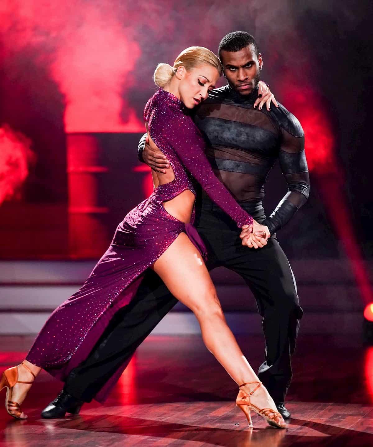 Kathrin Menzinger und Tijan Njie bei Let's dance 2020 am 28.2.2020