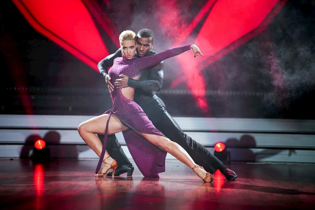Tijan Njie – Kathrin Menzinger Let's dance 28.2.2020
