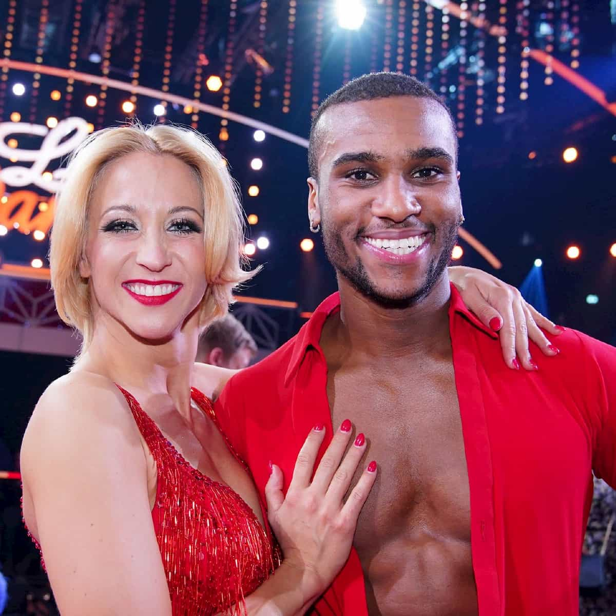 Tijan Njie und Kathrin Menzinger als Tanzpaar bei Let's dance 2020