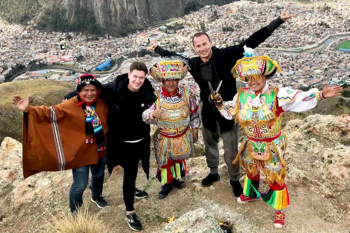 Llambis Tanz-Duell am 17.5.2020 mit Evgeny Vinokurov und Sergiu Luca in Peru