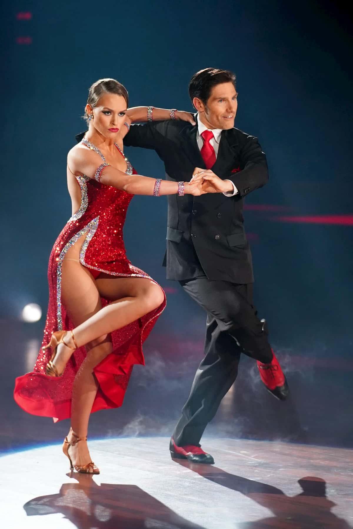 Laura Müller und Christian Polanc Tango Argentino bei Let's dance am 24.4.2020