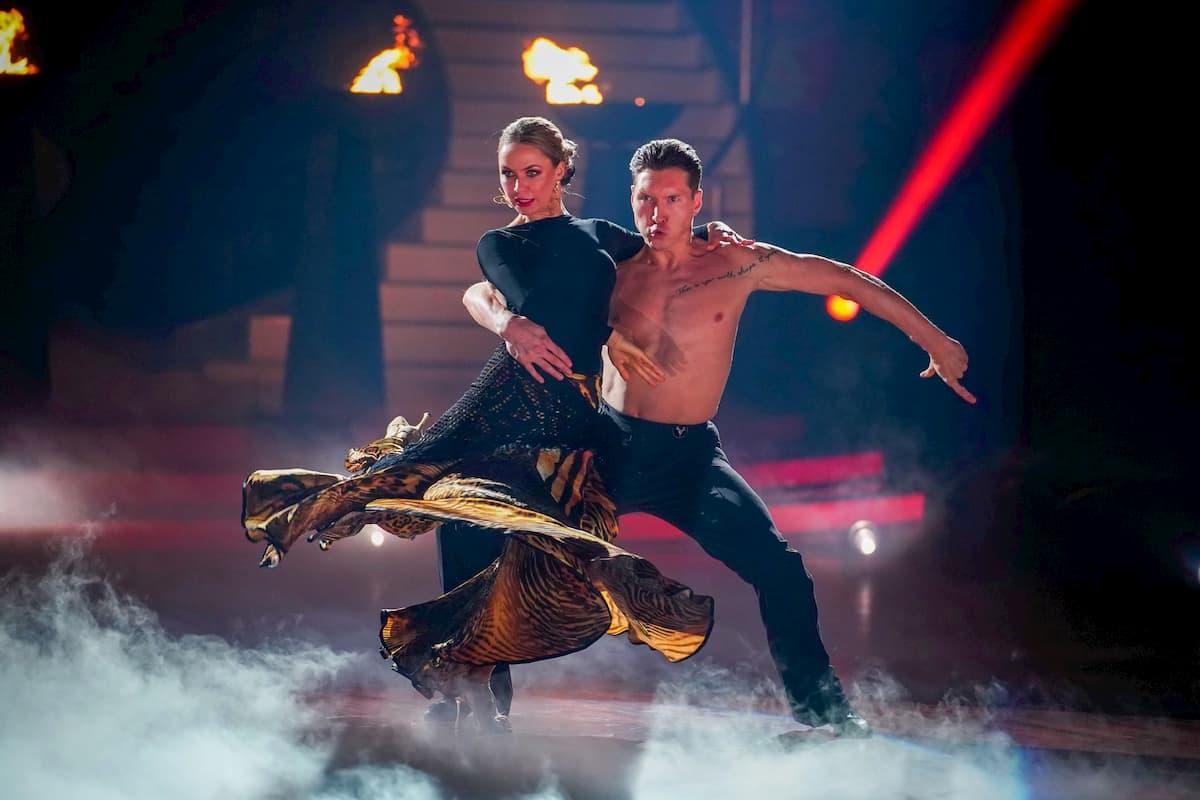 Nina Bezzubova und Evgeny Vinokurov bei Let's dance am 3.4.2020
