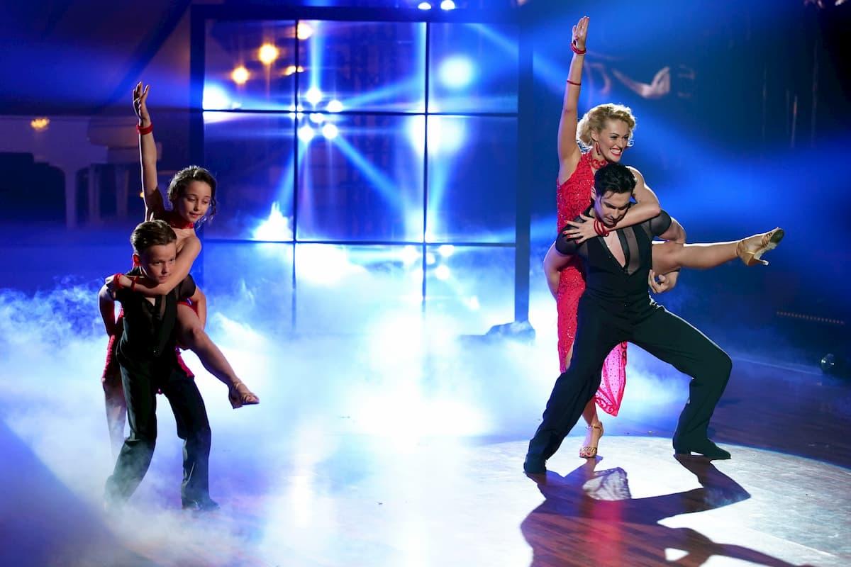 Andrzej Cibis und Victoria Kleinfelder-Cibis mit Letizia und Philipp bei der Let's dance Profi-Challenge am 29.5.2020
