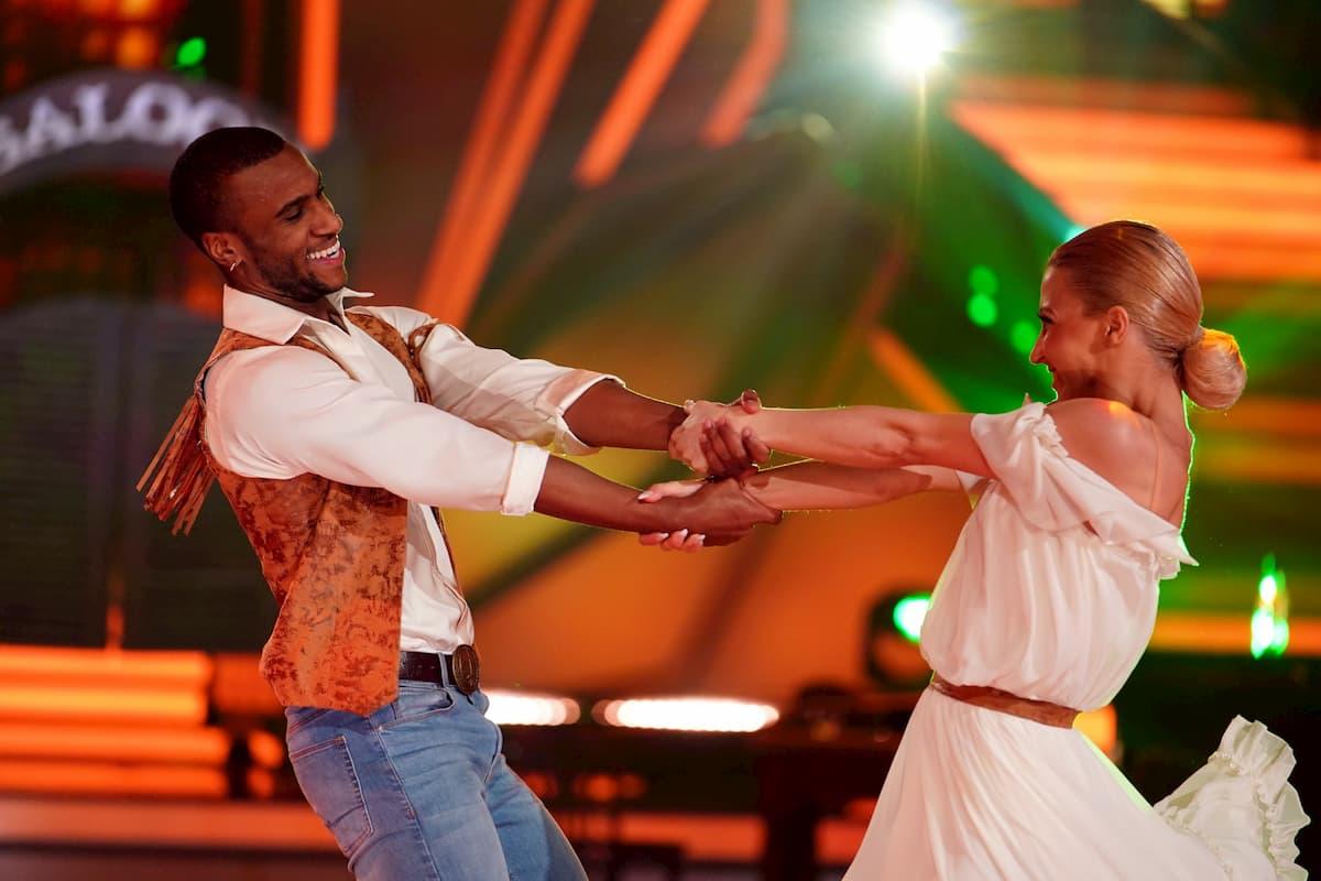 Ausgeschieden bei Let's dance am 15.5.2020 Tijan Njie und Kathrin Menzinger